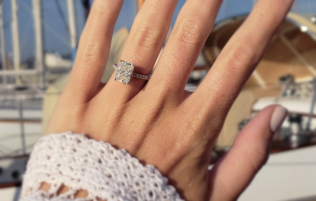 Diamond Engagement Ring - Proposal in Paris